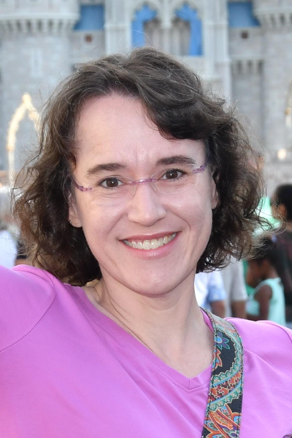 Joelle Dominique
